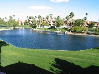 Comfortable 2 Bedroom & 3 Bathroom Condo in La Quinta (207LQ) - La Quinta vacation rentals