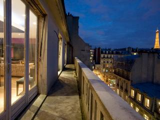 026U Roof Top Townhouse - Special offer right now! - Paris vacation rentals