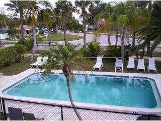 Affordable Tropical Beach Getaway on Siesta Key - Siesta Key vacation rentals