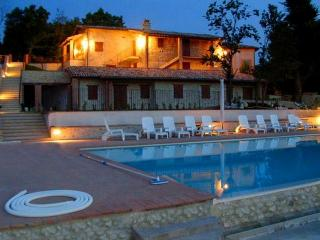 Spoleto By The Pool:APT 1. Central Spoleto/0.4 mls - Spoleto vacation rentals