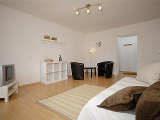 Ullmann Apartment in Mitte, Berlin - Schoeneberg b. Angermuende vacation rentals
