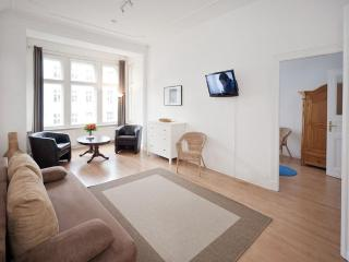 Strauss - Family Apartment Schönhauser Allee - Berlin vacation rentals