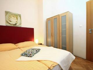 Comfortable 1 bedroom Condo in Prague - Prague vacation rentals