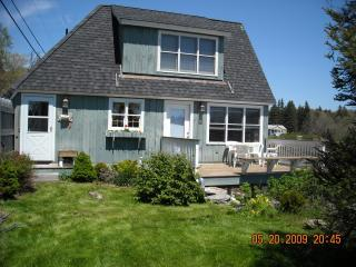 The Boathouse - Artist/Writer's Dream Cottage - East Boothbay vacation rentals