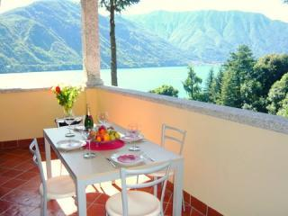 Residence Tremezzo (Top floor apartment ) Otto - Tremezzo vacation rentals