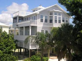 The Silver Seashell - 3BR/4BA - Sleeps 8 people - Captiva Island vacation rentals