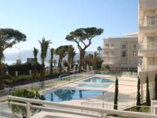 Royal Palm 137- Stunning 2 Bedroom Flat with Sea View, Cannes - Cannes vacation rentals