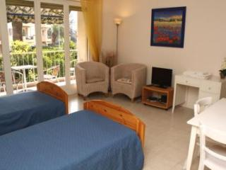 Victor Hugo Cezanne Vacation Rental with Balcony, in Cannes - Le Cannet vacation rentals