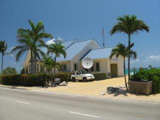 CaymanChillin, On the Sea,Grand Cayman, East End - East End vacation rentals