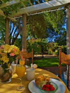 Shady Oaks Inn in the Vineyards in Napa Valley - Saint Helena vacation rentals