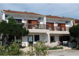 Front view of house - Apartment Tedo, clean, spacious, great sea view - Klek - rentals