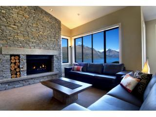 Spcaious living with lake and mountain views in luxury villa, Queenstown  New Zealand - Lake Panorama Villa Queenstown New Zealand - Queenstown - rentals