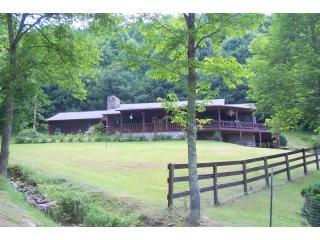Perfect 4 bedroom Cabin in Waynesville - Waynesville vacation rentals