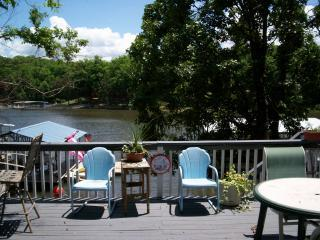 Osage Beach Great lakefront cottage! Privacy! Large sunny deck with Weber Grill and Bar.  Firepit. - Year round rentals! 2BR Cove loc Lakefront Cabin pets OK in OsageBeach - Osage Beach - rentals