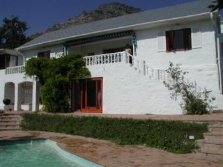 Bahari House - Ocean view 4 bedroom villa w/ pool - Hout Bay vacation rentals
