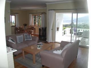 Bahari House - Ocean view 4 bedroom villa w/ pool - Hout Bay vacation rentals