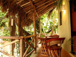 Studio 2 minutes from beach, well equipped in quiet and cozy hotel with pool - Playa del Carmen vacation rentals