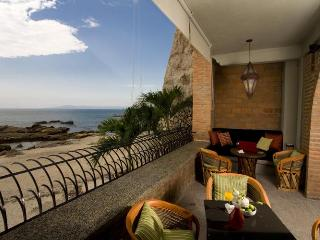 Vida Mar - Casa Tres Vidas - Beachfront Villa - Mexican Riviera-Pacific Coast vacation rentals