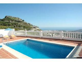Villa Arabe nr Nerja, pool, 10 min walk to village - Sayalonga vacation rentals