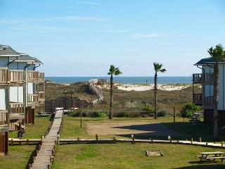 2 bedroom, 2 bath condo with a great view, boardwalk to the beach - Port Aransas vacation rentals