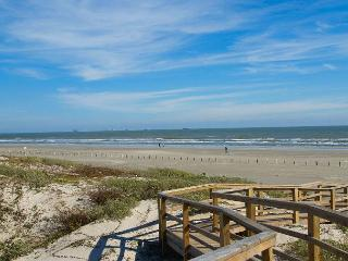 2 bedroom, 2 bath condo with a great view! - Port Aransas vacation rentals