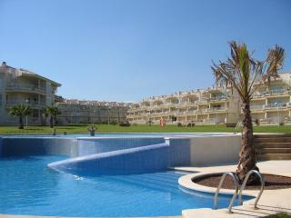 Relax in this beachfront fully-equipped apartment - Castellon Province vacation rentals