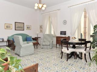 Calata Ponte - Elegant and bright apartment - Minori vacation rentals