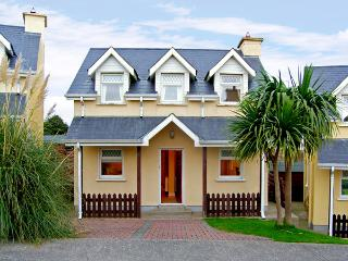 9 RAVENS POINT COTTAGE, family friendly, with a garden in Curracloe, County Wexford, Ref 3745 - Courtown vacation rentals