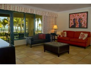 Living Area with beautifull beach view - Three bedroom Ocean Villa @ Wyndham RioMar Resort! - Rio Grande - rentals
