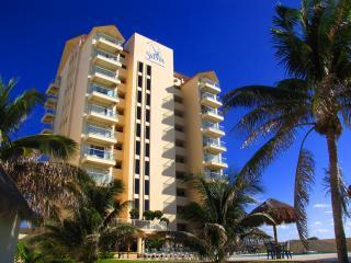 Beachfront Salvia Condo Cancun Hotel / Party Zone - Cancun vacation rentals