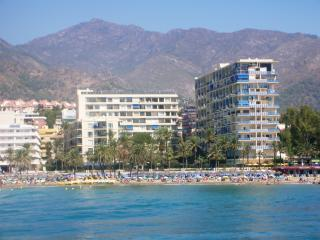 The Skol apartments, viewed from the marina - Skol Apartments, Marbella - beachfront location - Marbella - rentals