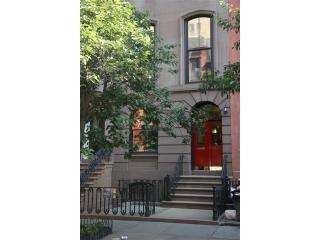 A Garden in Chelsea. Quiet residential neighborhood w/ convenient transit/walking options. - A Garden in Chelsea - New York City - rentals