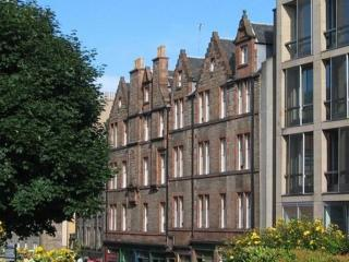 Castle View Apartment Edinburgh Old Town / Centre - Edinburgh vacation rentals