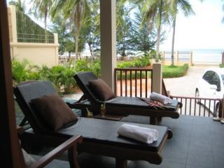 PRANBURI BEACH FRONT HOUSE WITH PRIVATE POOL - Hua Hin vacation rentals