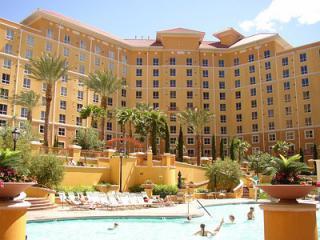 Wyndham Grand Desert, upscale condos, 50% discount - Las Vegas vacation rentals