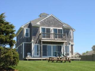 Idyllic House with 7 BR & 3 BA in Dennis Port (Oak St 70) - Dennis Port vacation rentals
