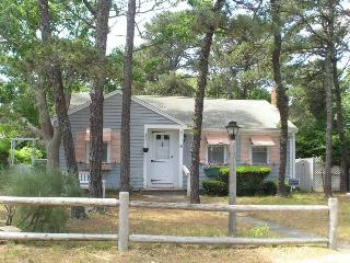 2 bedroom House with Deck in Dennis Port - Dennis Port vacation rentals