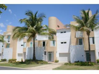 Luxury Golf, Beach, and Casino Villa in Dorado - Dorado vacation rentals