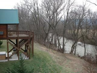 Romantic 1 bedroom Cabin in Luray with A/C - Luray vacation rentals
