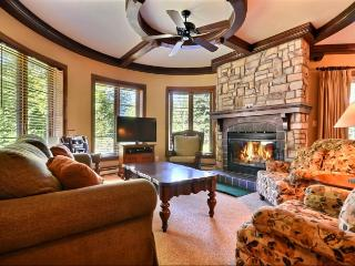 Mont Tremblant 2 Bedroom/2 Bathroom House (Les Manoirs | 114-9) - Mont Tremblant vacation rentals