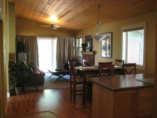 Sunny Cottage with Deck and Internet Access - Parksville vacation rentals