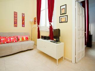 LOWER PRICES! Madrid Gran Via 4 up to 5p Wifi! - Madrid Area vacation rentals