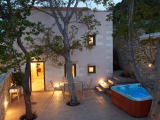 OLGA'S FILOXENIA VILLAS - Villa Aladanos - Chania vacation rentals