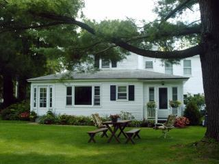 Berkshires Spacious Comfortable Charming Farmhouse - Stockbridge vacation rentals