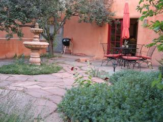 Private Patio/Garden fanced in Adobe walls - Luxury,Walk Everywhere, Private Hot Tub, Fall Deal - Santa Fe - rentals