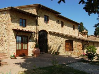 2 Bedroom Vacation House in Tuscany with Pool - Poggibonsi vacation rentals