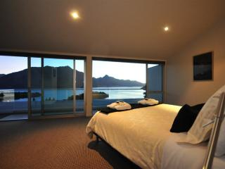 Queenscliff luxury villa in Queenstown New Zealand - Queenstown vacation rentals