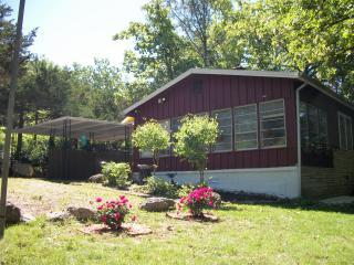 Cherokee Village Cottage Near Lakes & Golf! - Hardy vacation rentals