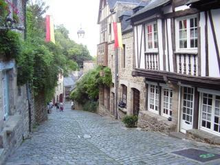 A charming 15th century house in medieval Dinan - Dinan vacation rentals