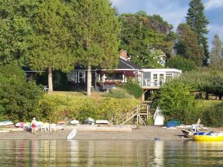 100_0067.JPG - Beautiful Saltspring Waterfront Home - Salt Spring Island - rentals